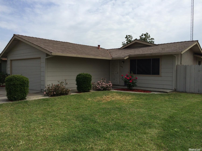 1440 Lupin Ct, Livingston, CA