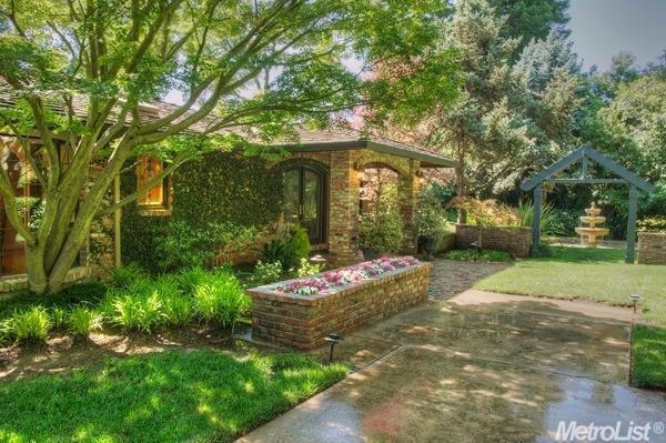 3631 Winding Creek Rd, Sacramento, CA 95864