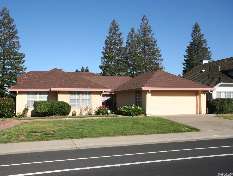5533 Laguna Park Dr, Elk Grove, CA