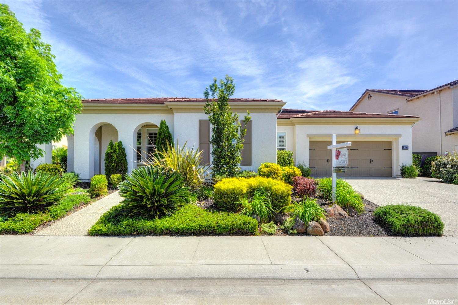 2582 Woodgate Way, Roseville, CA