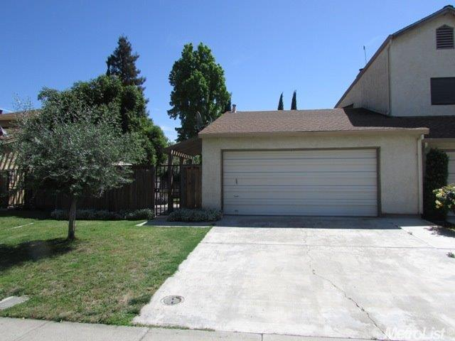 332 Cherry Ln, Manteca, CA