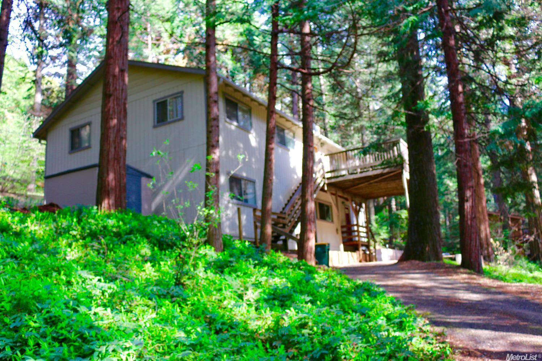 7100 Lakewood Dr, Pollock Pines, CA