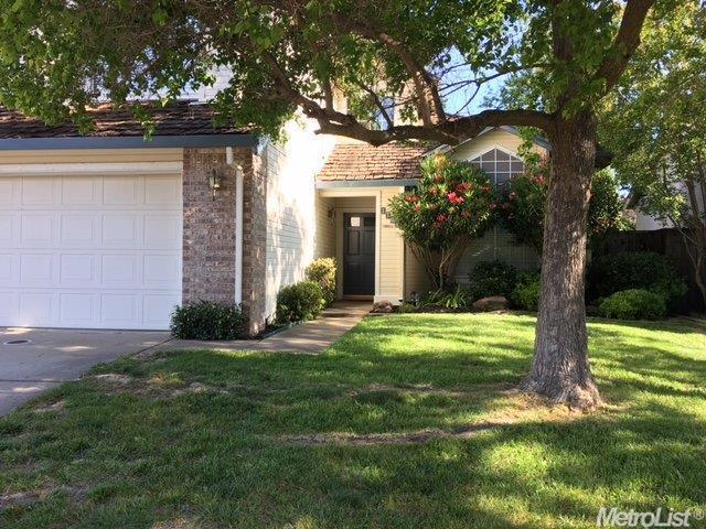1704 Pinion Dr, Roseville CA 95747