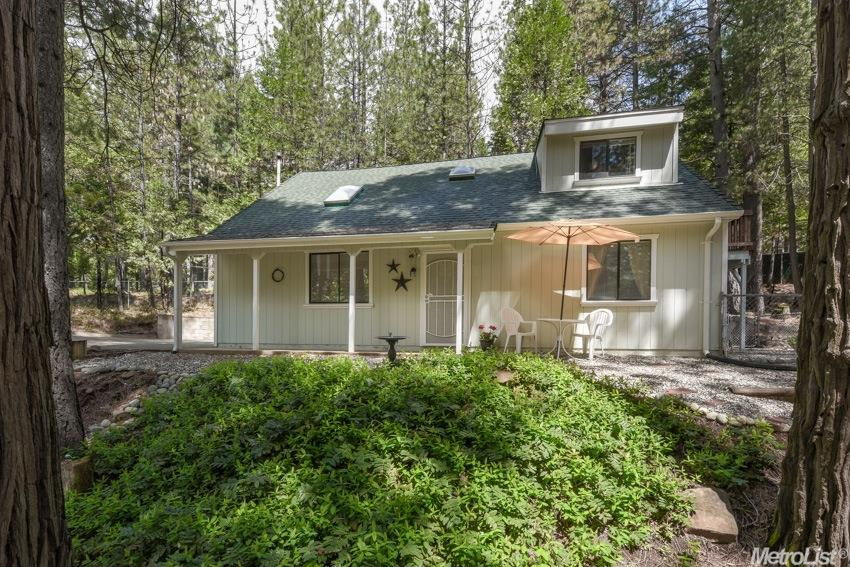 6131 Red Robin Rd, Placerville, CA
