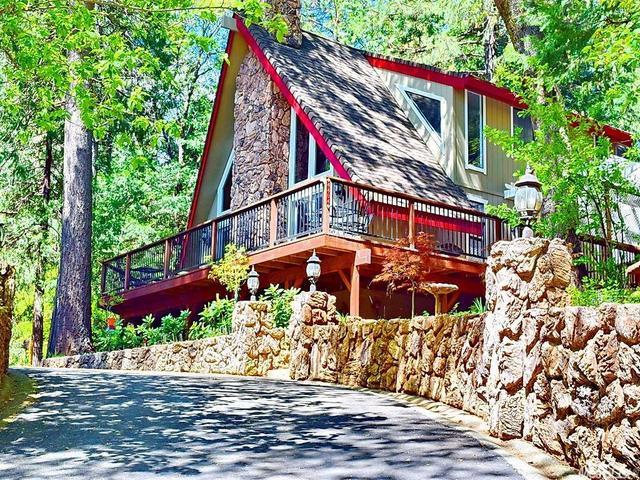 4404 Lakeridge Dr, Pollock Pines, CA
