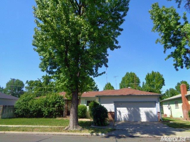 1321 Bowen Ave, Modesto CA 95350