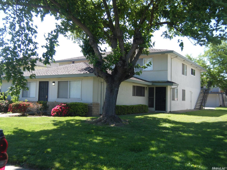 9524 Emerald Park #APT 4, Elk Grove, CA