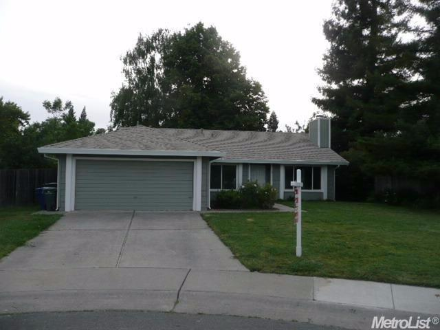 6 Neil Ct Sacramento, CA 95831