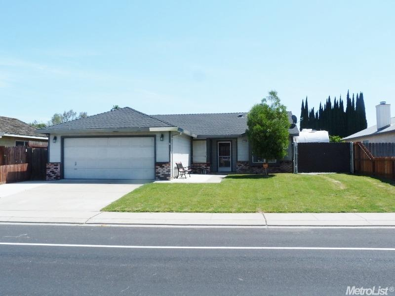 15228 Cambridge Dr, Lathrop, CA