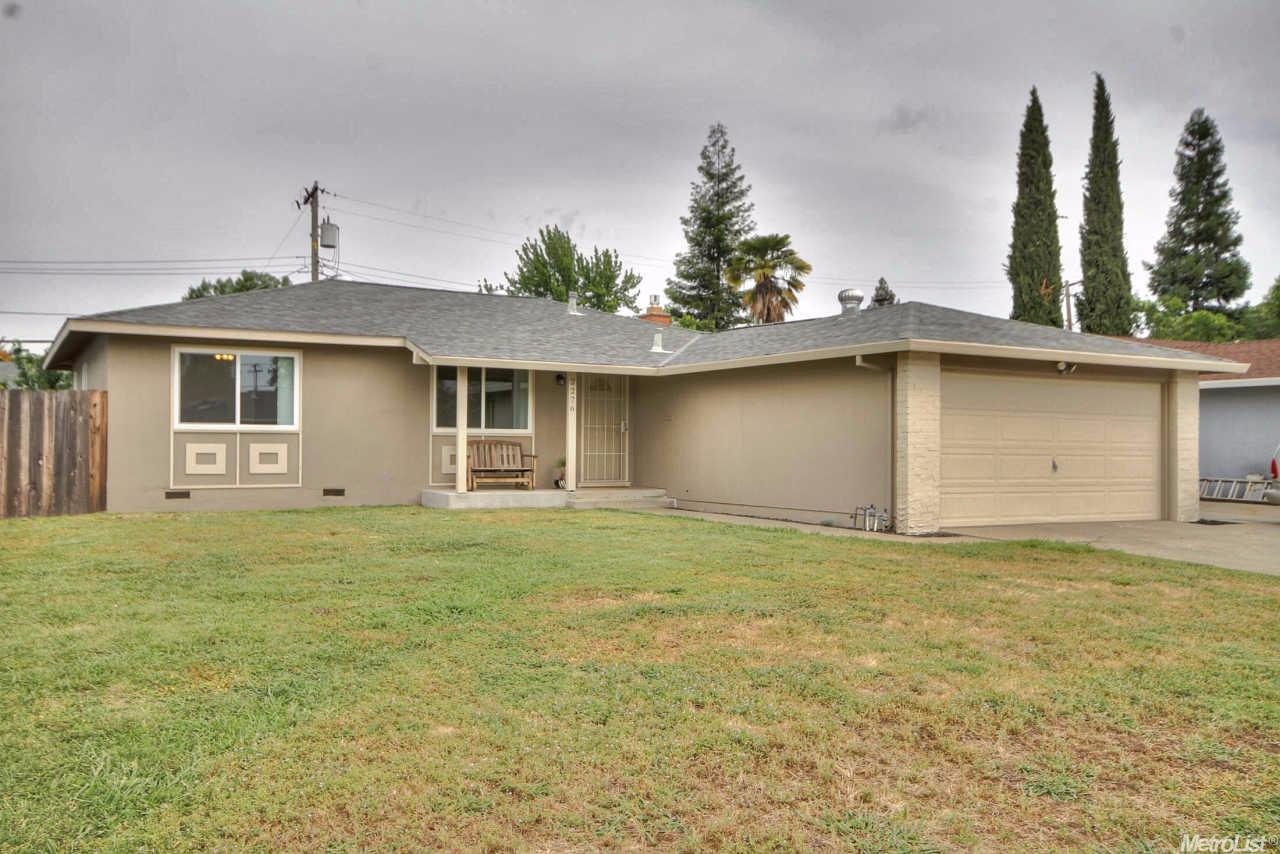 2276 Zinfandel Dr, Rancho Cordova, CA