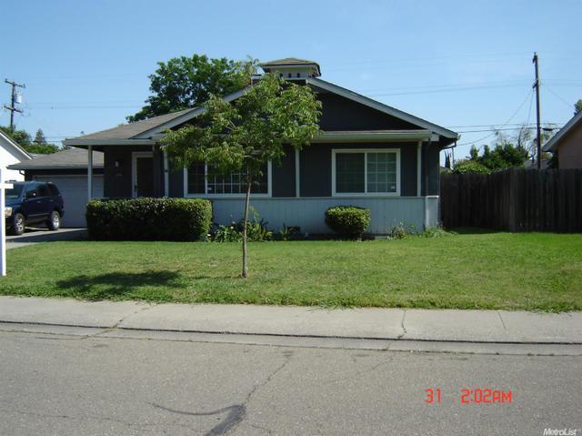 216 W Norwich Dr, Stockton, CA 95207
