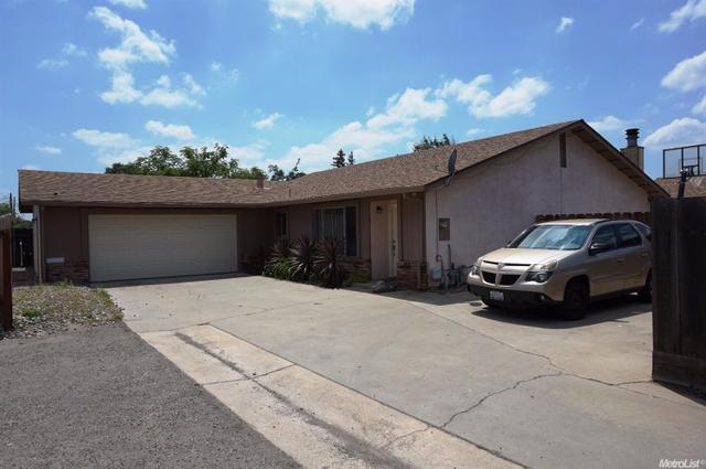 1515 Pontiac St, Oakdale, CA 95361