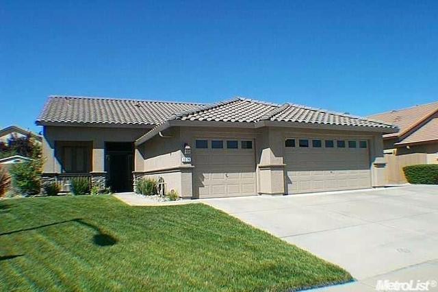 1014 Elk Hills Dr, Galt, CA