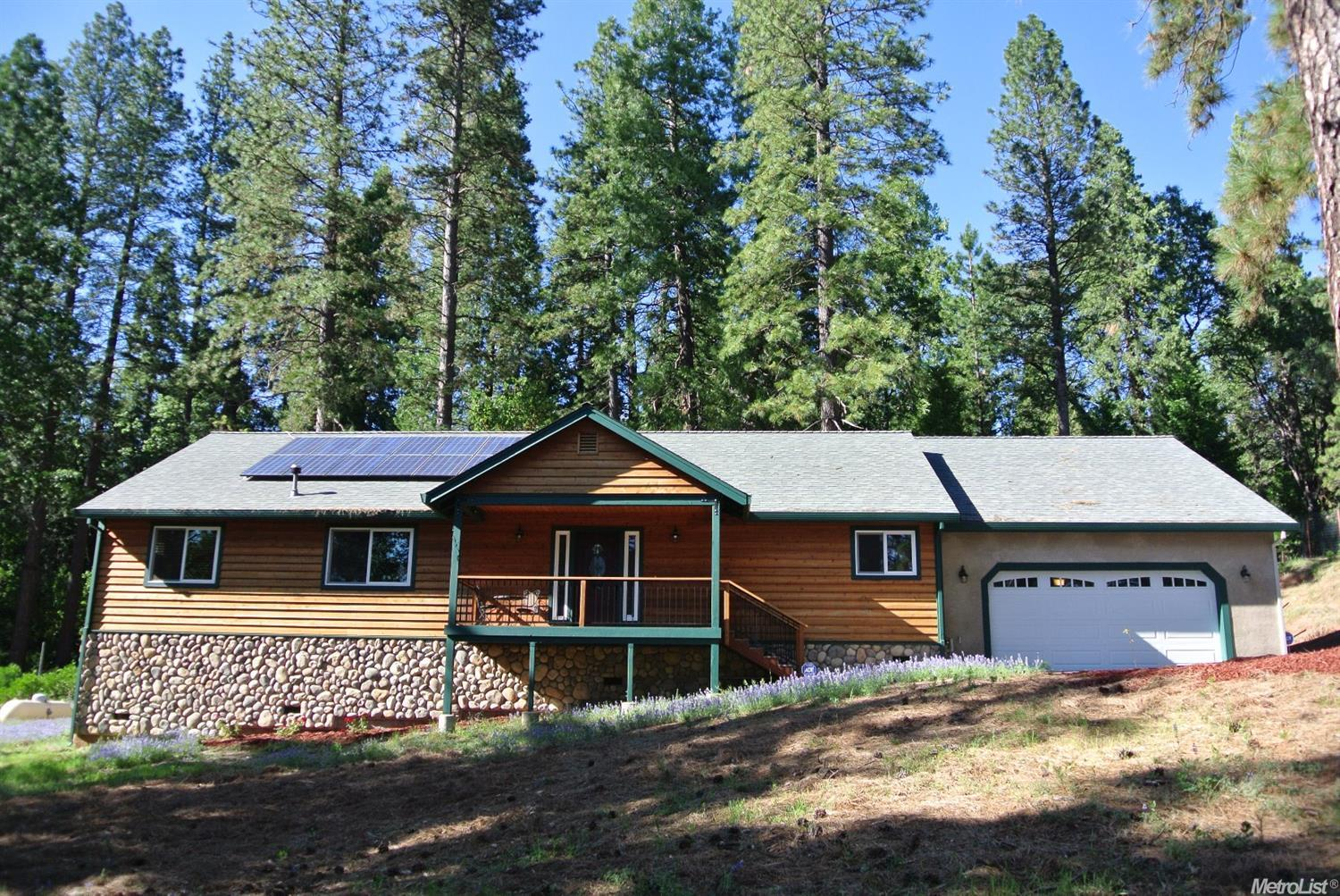 20155 Redwood Dr Foresthill, CA 95631