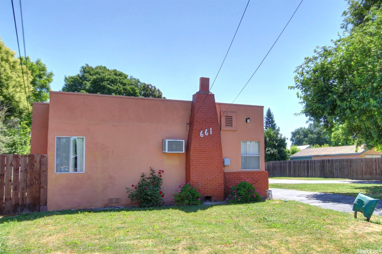 661 Walnut St, West Sacramento, CA 95691