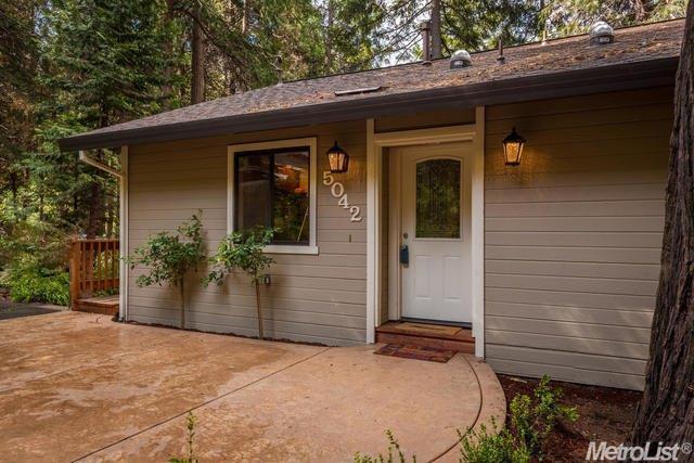 5042 Agate Ct, Pollock Pines, CA