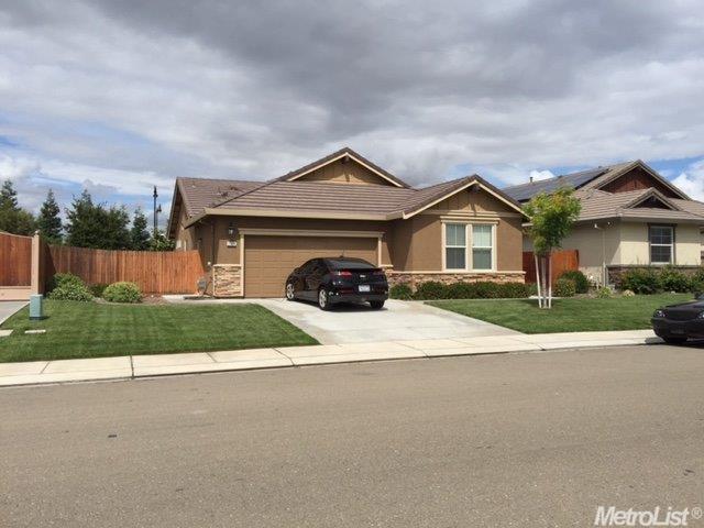 2323 Maple Hollow Ln, Manteca, CA