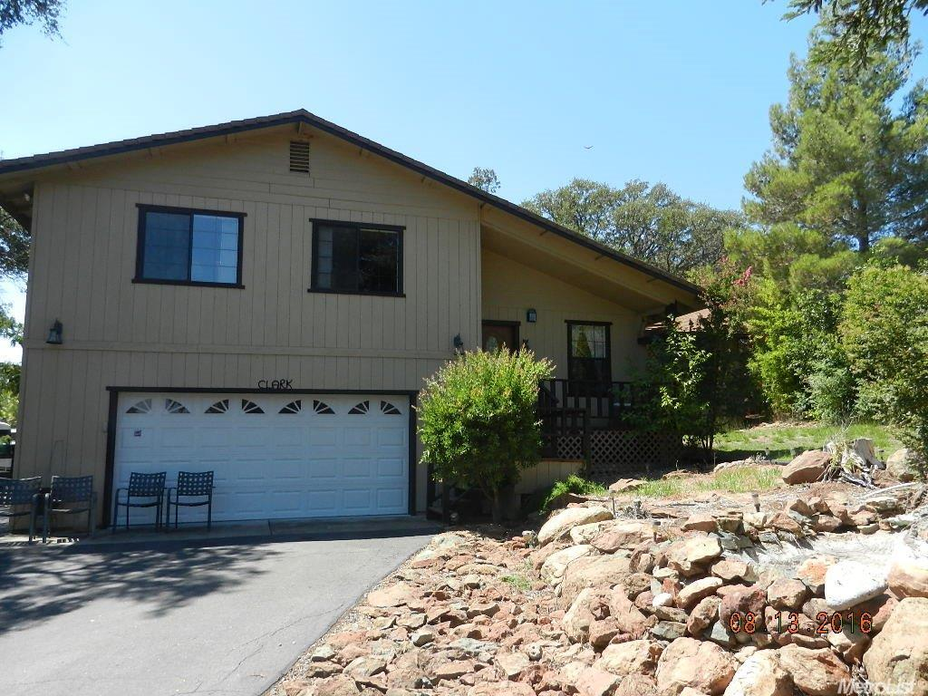 6572 Cane Ln, Valley Springs, CA 95252
