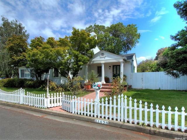 11620 Southwood Dr, Saratoga, CA