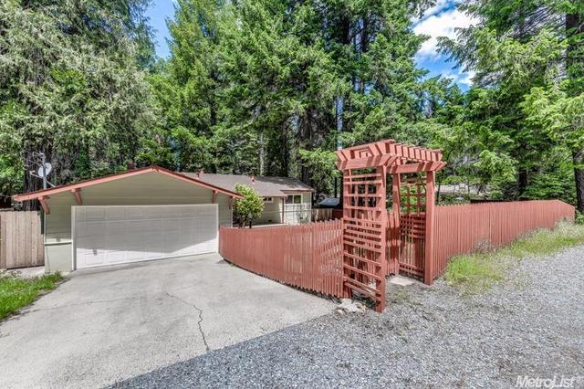 5817 Ritz Rd, Pollock Pines, CA