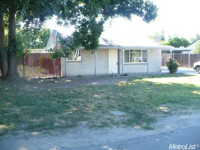 1525 Lynn Ave, Modesto CA 95358
