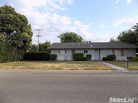 2098 Brookdale Dr, Merced, CA