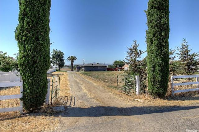 31123 S Koster Rd, Tracy, CA 95304