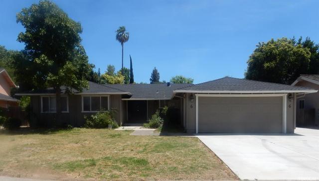 6 Space Ct Sacramento, CA 95831