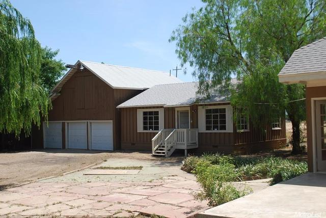 418 Bartch, Patterson, CA 95363