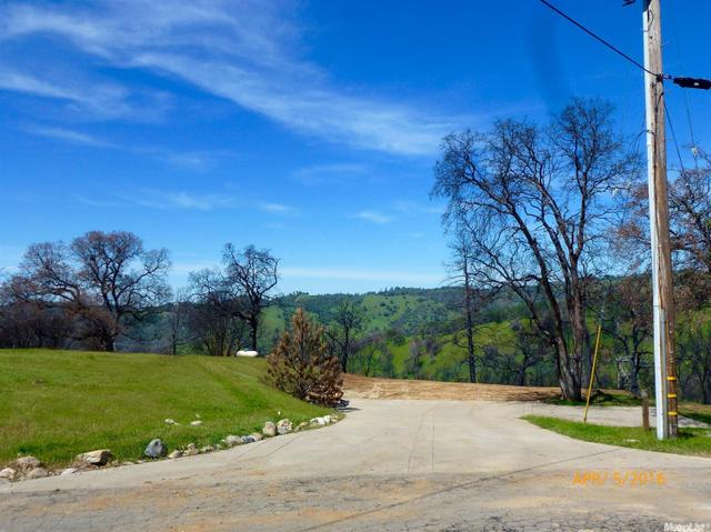 858 Candy Cir, Mokelumne Hill, CA 95245