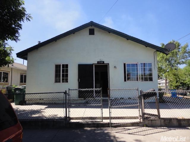 1304 E Worth St, Stockton, CA 95205