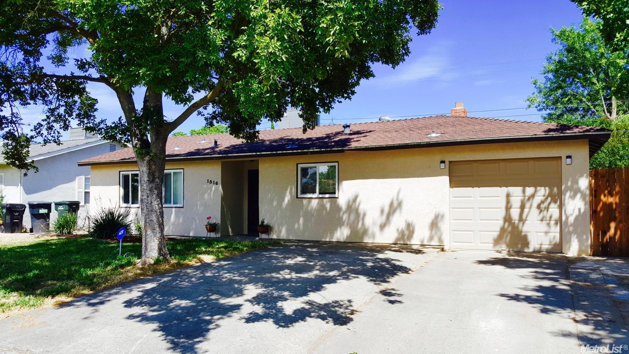 1516 Gladstone Dr, Sacramento, CA 95864