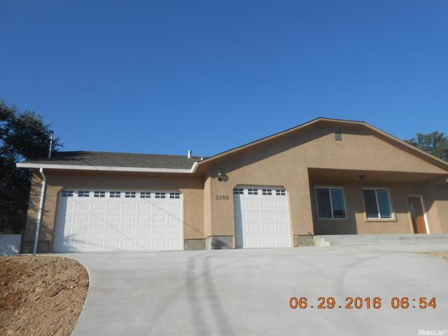 3788 Dunn Rd, Valley Springs, CA 95252