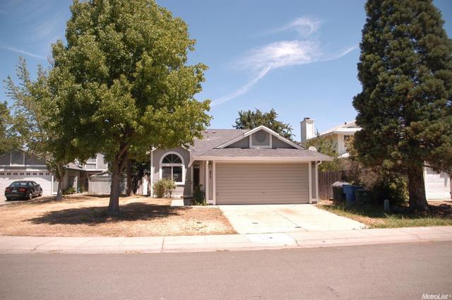 211 Delta Leaf Way, Sacramento, CA 95838