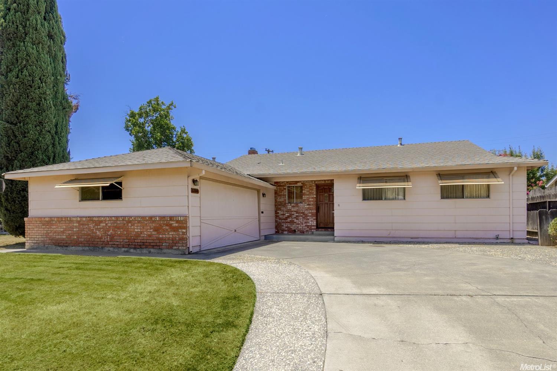 1718 Amador Way, Woodland, CA 95695