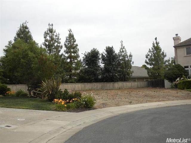 12 Stonefield Ct, Sacramento, CA 95831