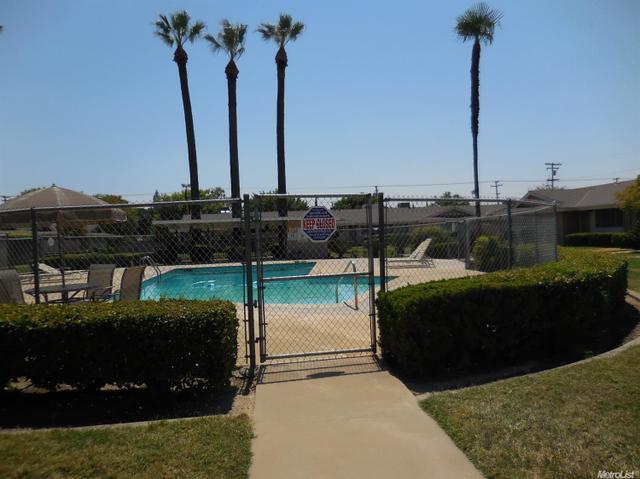 205 Floyd Ave #5, Modesto, CA 95350