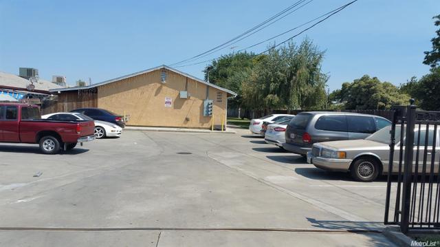 1083 S South Ave, Turlock, CA 95380