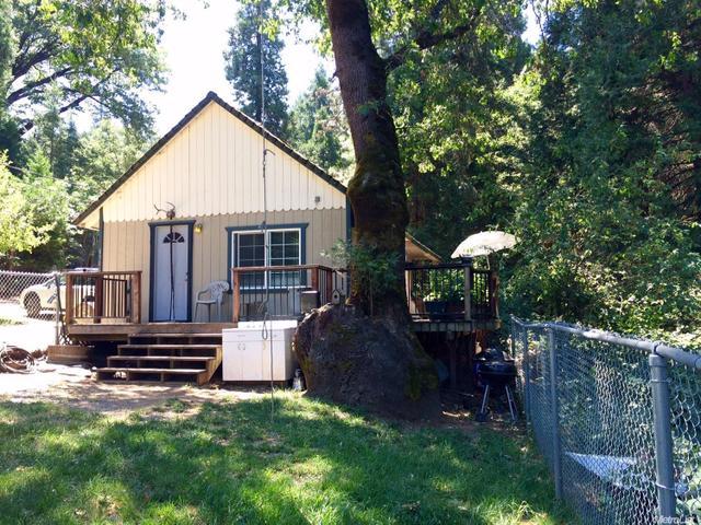8306 Bramble Rd, Pollock Pines, CA 95726