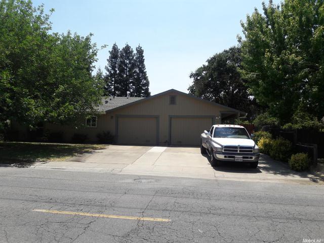 5520 Robertson Ave, Carmichael, CA 95608