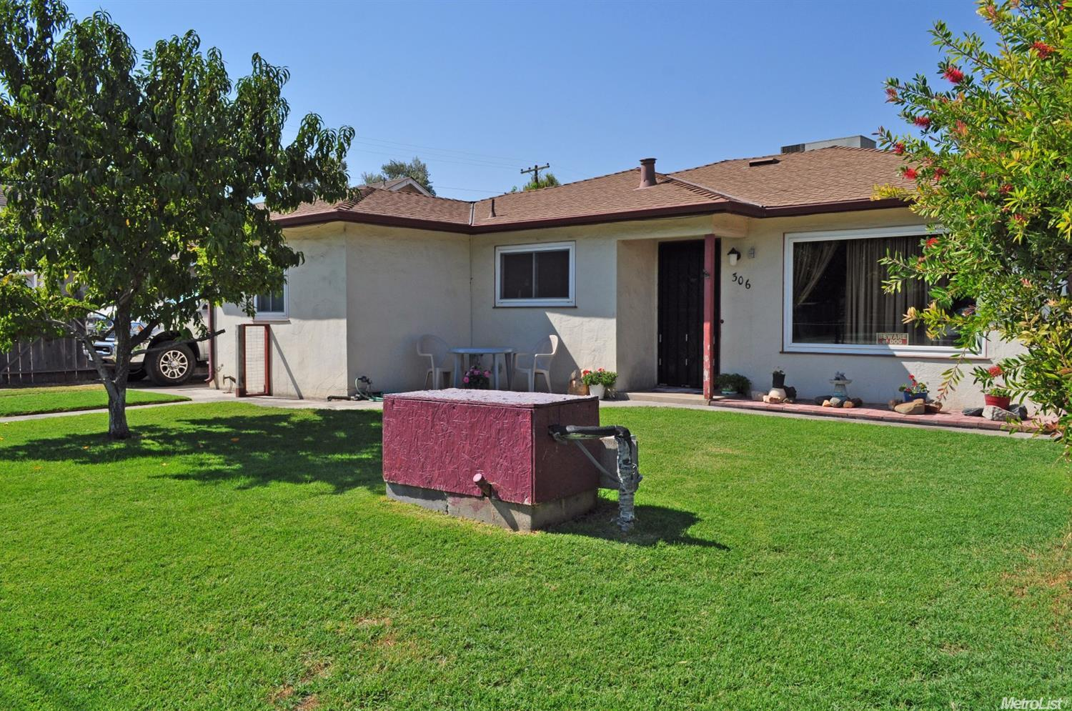 306 E 7th St, French Camp, CA 95231