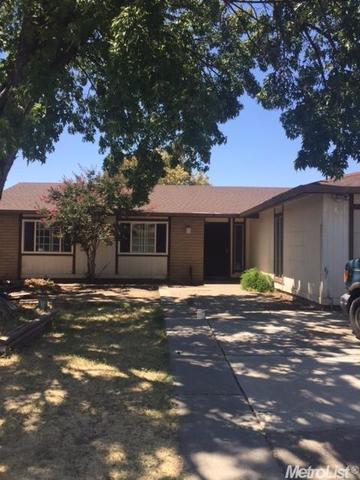 865 Locust Ave, Manteca, CA 95337