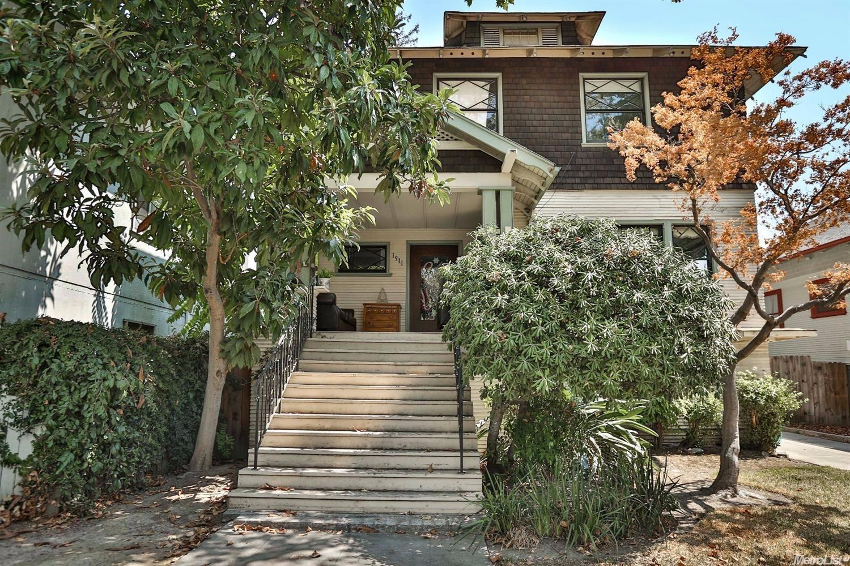1911 28th St, Sacramento, CA 95816
