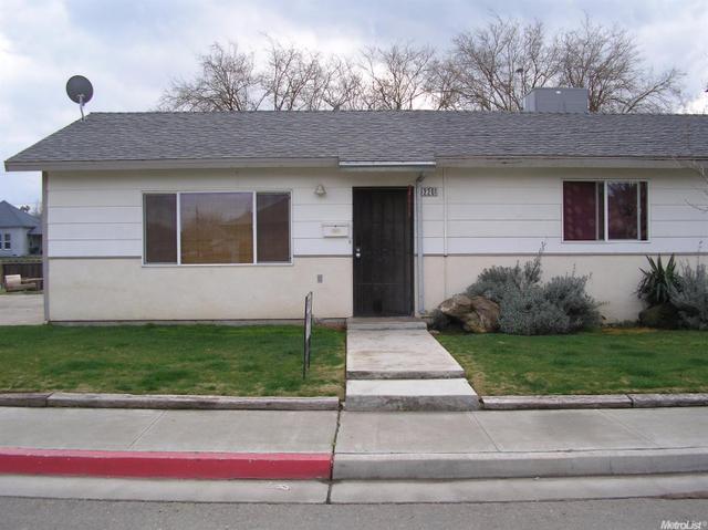 2201 Merced, Dos Palos, CA 93620