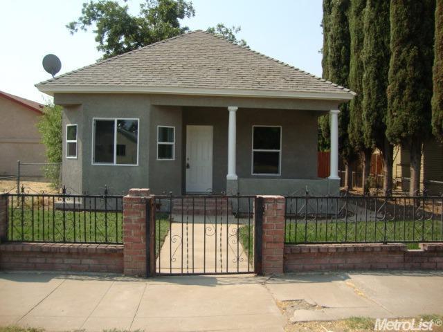 113 Pine St, Modesto, CA 95351