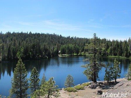 12700 Crystal Lake Rd, Emigrant Gap, CA 95715