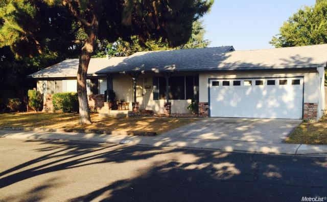 400 Donegal Dr, Modesto, CA 95354