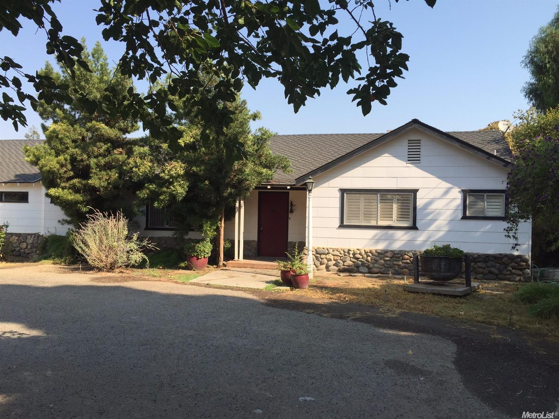 22108 W Sunset Avenue, Los Banos, CA 93635