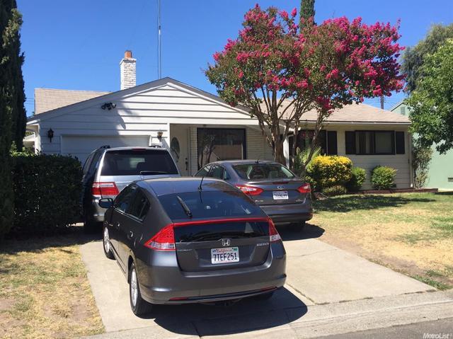 2037 Bowling Green Dr, Sacramento, CA 95825