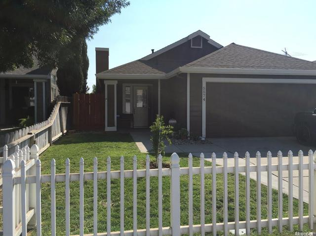 5574 Greenoaks Dr, Riverbank, CA 95367